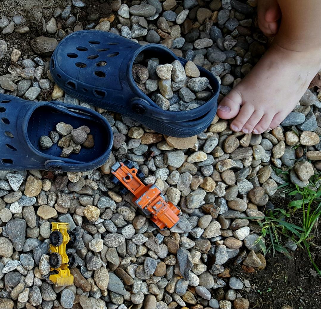 rocks-and-crocs