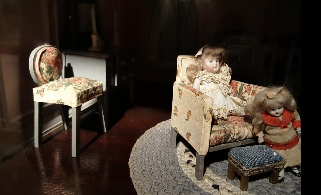 Doll House (4)